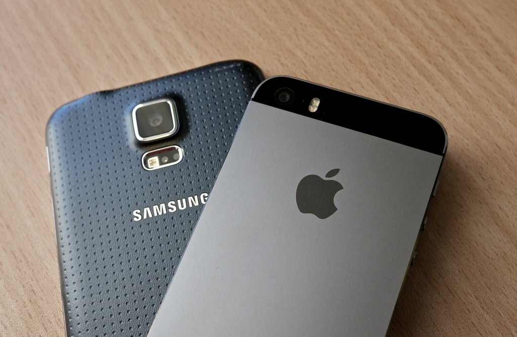 Apple vs. Samsung is a prime example of commercial litigation on a grand scale, businesses of all sizes utilize commercial litigation when involved in a legal dispute. Don't give up when you're involved in a Commercial Litigation! Contact the Solnick Law legal team that's ready to fight for what you deserve! (786) 629-6530